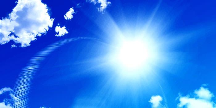 猛暑日の日差しイメージ画像